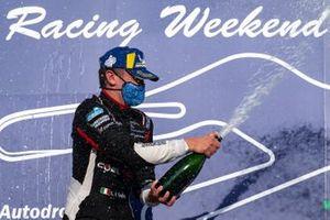 Leonardo Caglioni, Ombra Racing festeggia la vittoria di Gara1
