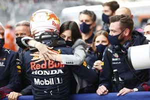 Max Verstappen, Red Bull Racing, 2nd position, celebrates with his girlfriend Kelly Piquet and the Red Bull Racing team