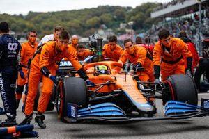 Lando Norris, McLaren MCL35M, arrives on the grid