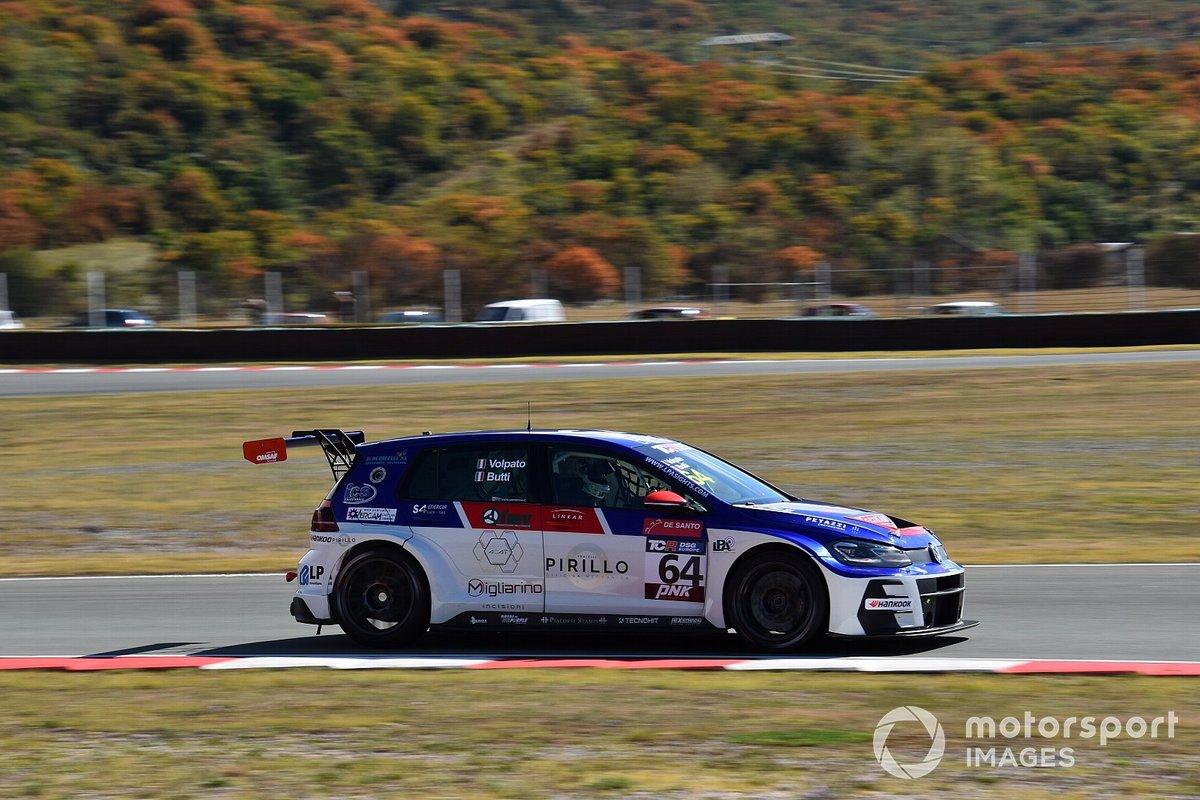 #64 Elite Motorsport, Volkswagen Golf GTI TCR DSG: Gabriele Volpato, Marco Butti