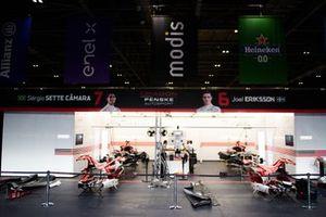 Dragon Penske Autosport, Penske EV-5 garage