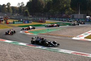 Valtteri Bottas, Mercedes W12 leads at the start