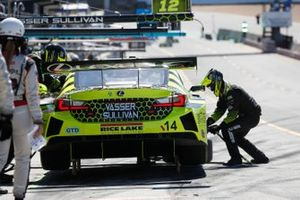 #14: Vasser Sullivan Lexus RC F GT3, GTD: Jack Hawksworth , Aaron Telitz, pit stop