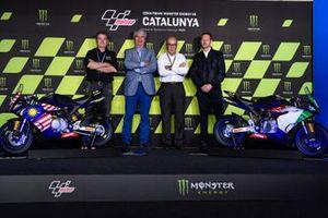 Presiden FIM, Jorge Viegas dan CEO Dorna Sports, Carmelo Ezpeleta, dalam peluncuran FIM MiniGP World Series.