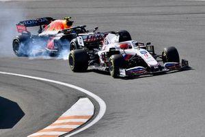Nikita Mazepin, Haas VF-21, Sergio Perez, Red Bull Racing RB16B
