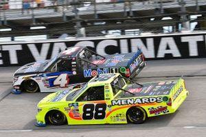 John Hunter Nemechek, Kyle Busch Motorsports, Toyota Tundra Mobil 1 and Matt Crafton, ThorSport Racing, Toyota Tundra Ideal Door/Menards