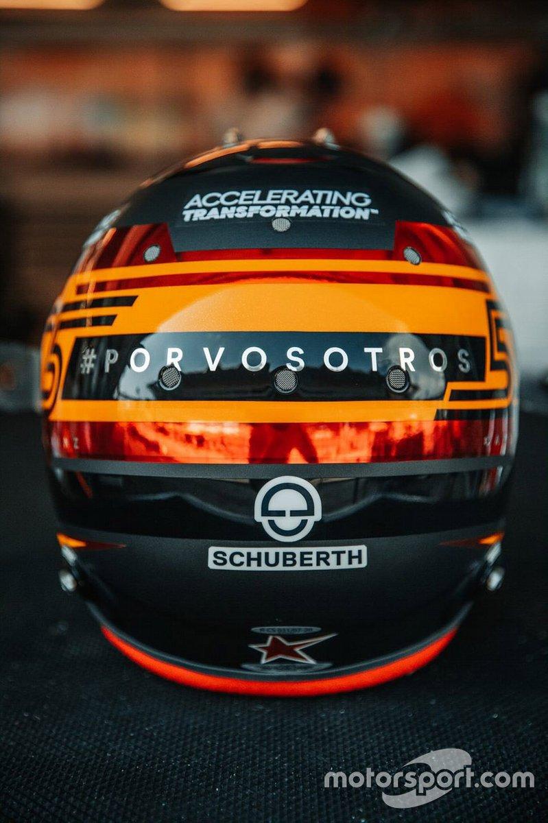 El nuevo casco de Carlos Sainz Jr, McLaren