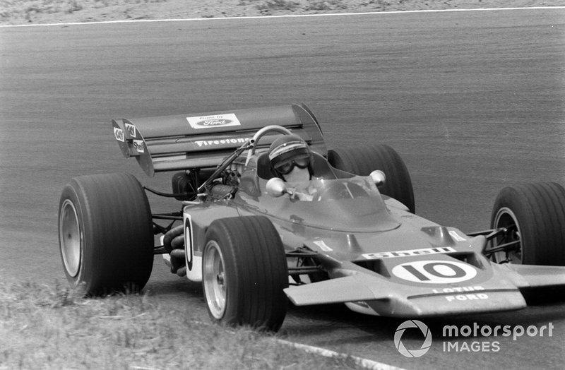 Aún lograría otra victoria con la actualización, el Lotus 49C. Sus otros cuatro triunfos llegaron con el 72C en 1970