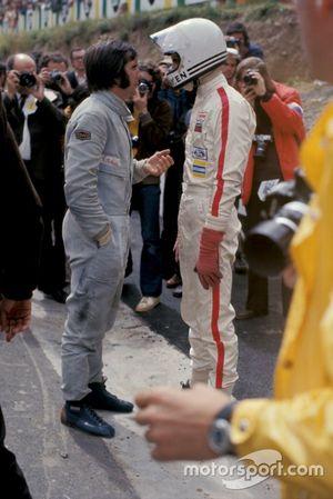 Emerson Fittipaldi talks with Tim Schenken