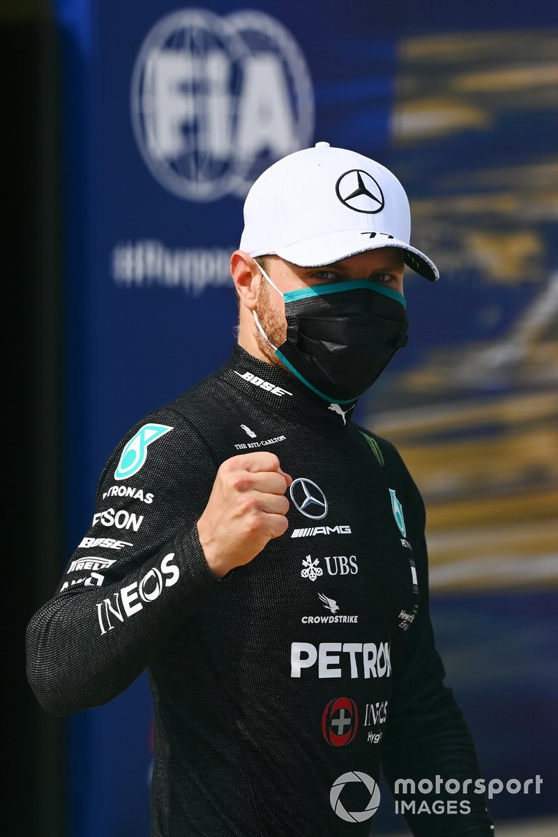 Il Pole sitter Valtteri Bottas, Mercedes AMG F1