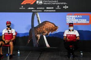 Antonio Giovinazzi, Alfa Romeo ve Kimi Raikkonen, Alfa Romeo basın toplantısı