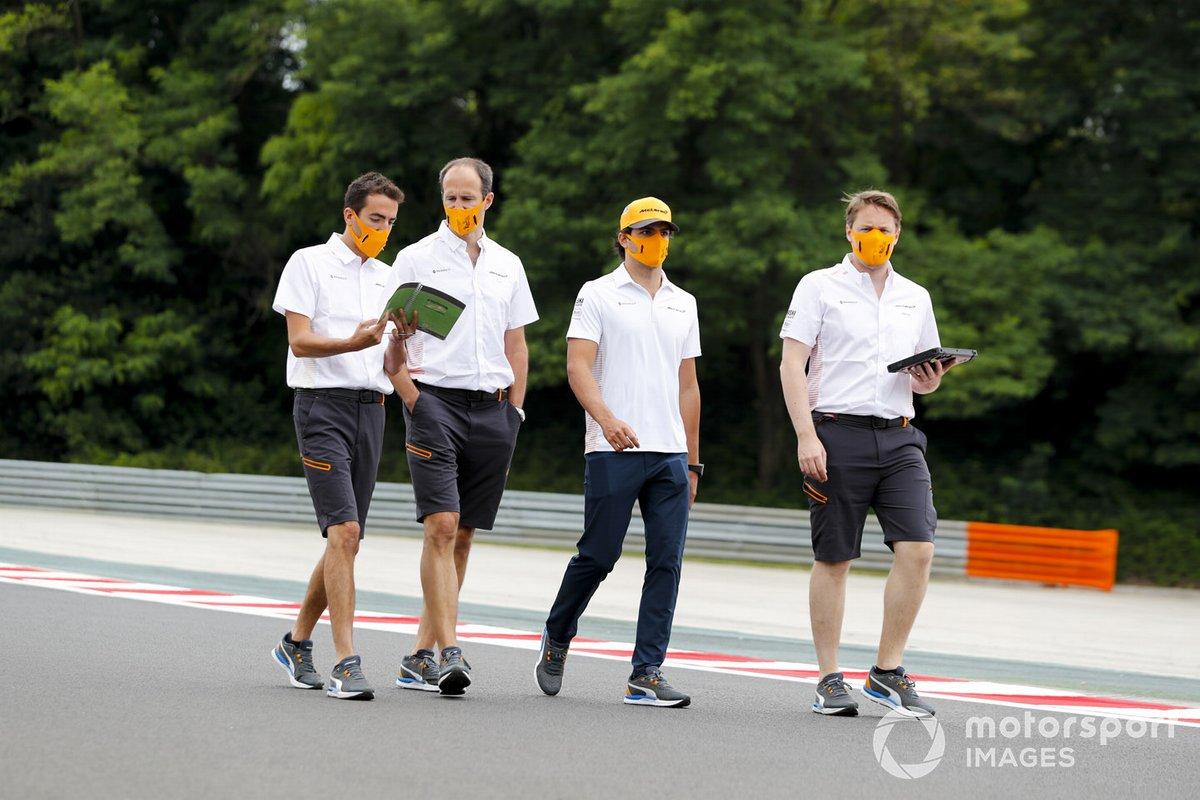 Carlos Sainz Jr., McLaren walks the track