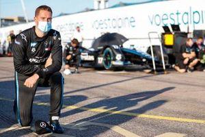 Stoffel Vandoorne, Mercedes Benz EQ si inginocchia prima della partenza