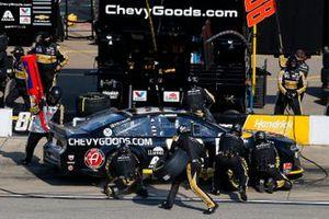 Alex Bowman, Hendrick Motorsports, Chevrolet Camaro ChevyGoods.com/Adam's Polishes pit stop