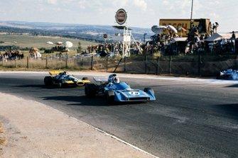 Chris Amon, Matra Simca MS120B, Graham Hill, Brabham BT33 Ford