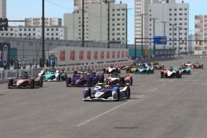 Maximilian Günther, BMW I Andretti Motorsports aan de leiding bij de start