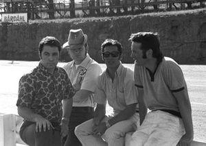 Vince Granatelli, Bill Dunne, Mario Andretti et le concepteur de March Robin Herd