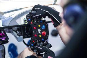 Détails du volant de Porsche Esports Team