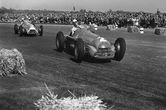 Giuseppe Farina, Alfa Romeo 158, Luigi Fagioli, Alfa Romeo 158