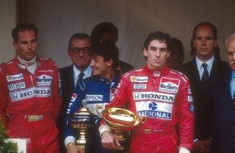 Ayrton Senna, McLaren, Jean Alesi, Tyrrell, Gerhard Berger, McLaren, HSH Prince Albert, Jean-Marie Balestre, Presidente FIA, GP di Monaco del 1990