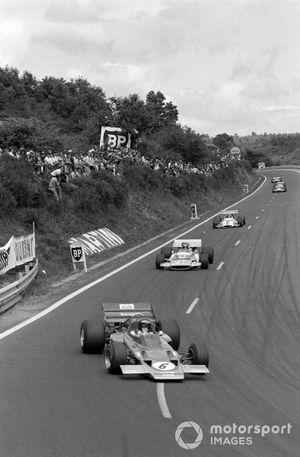 Jochen Rindt, Lotus 72C Ford leads Henri Pescarolo, Matra MS120 and Pedro Rodriguez, BRM P153