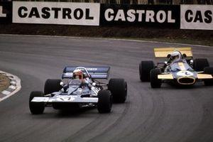 Jackie Stewart, Tyrrell 001-Ford Cosworth, Tim Schenken, Brabham BT33-Ford Cosworth