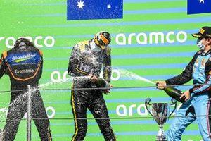 Alexander Peroni, Campos Racing, il vincitore della gara Oscar Piastri, Prema Racing And Matteo Nannini, Jenzer Motorsport sul podio