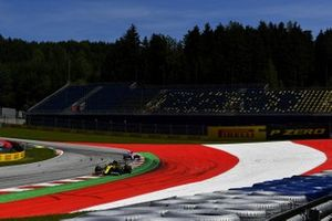 Esteban Ocon, Renault F1 Team R.S.20, leads Sergio Perez, Racing Point RP20