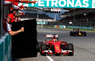 Ganador de la carrera Sebastian Vettel, Ferrari SF-15T