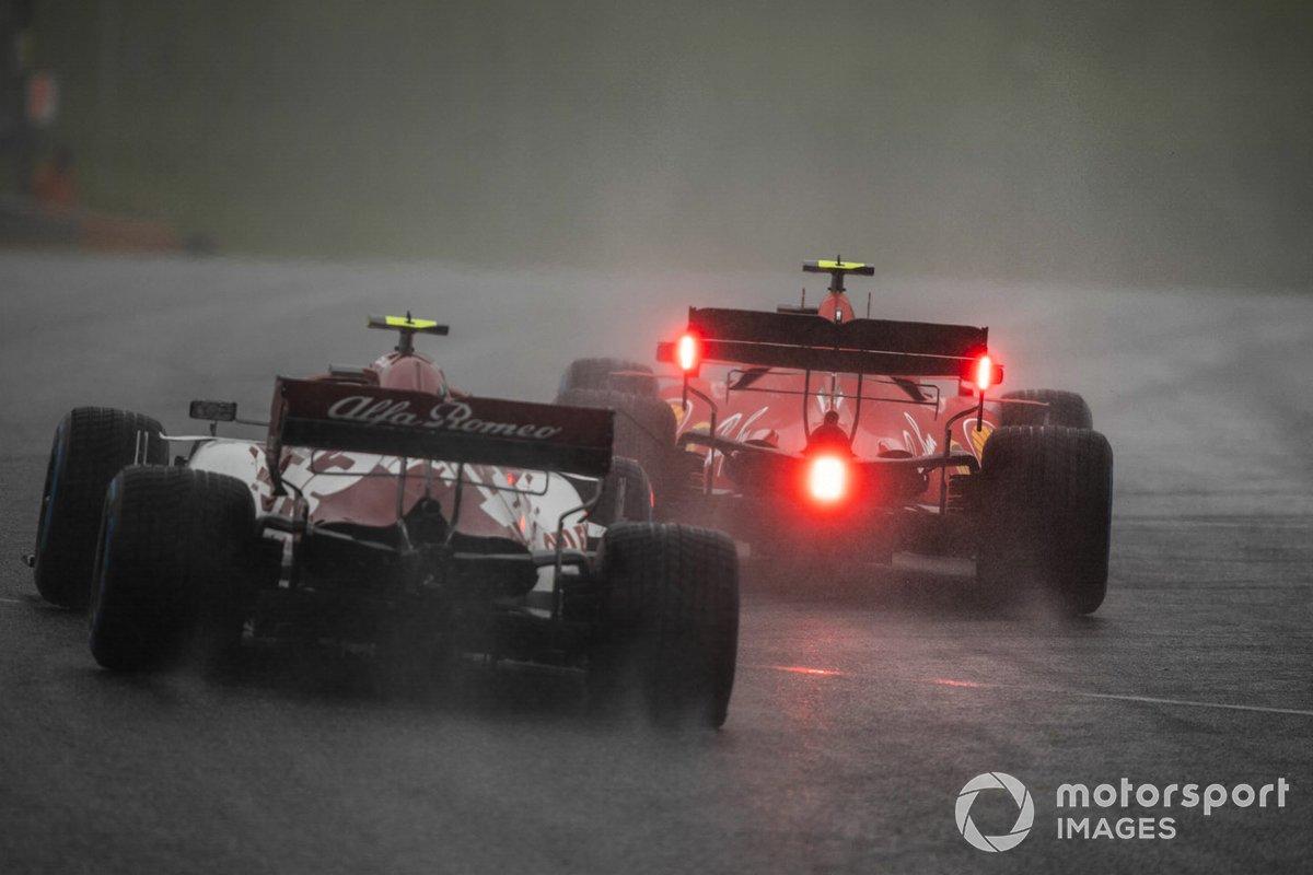 Charles Leclerc, Ferrari SF1000, precede Antonio Giovinazzi, Alfa Romeo Racing C39