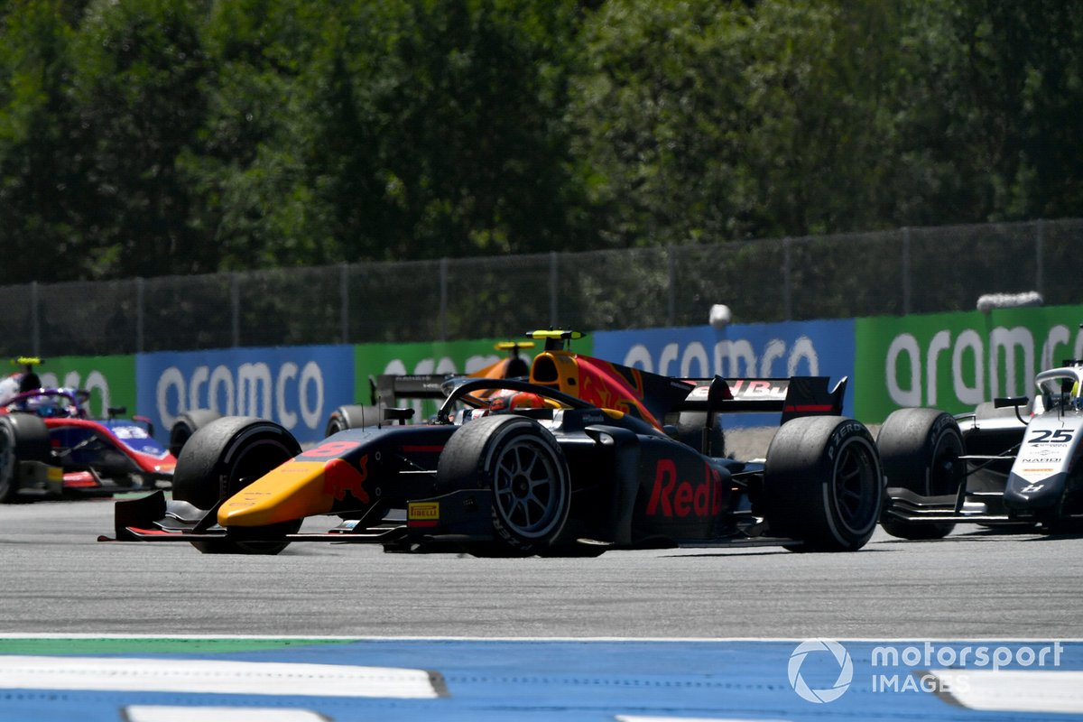 Jehan Daruvala, Carlin, y Luca Ghiotto, Hitech Grand Prix
