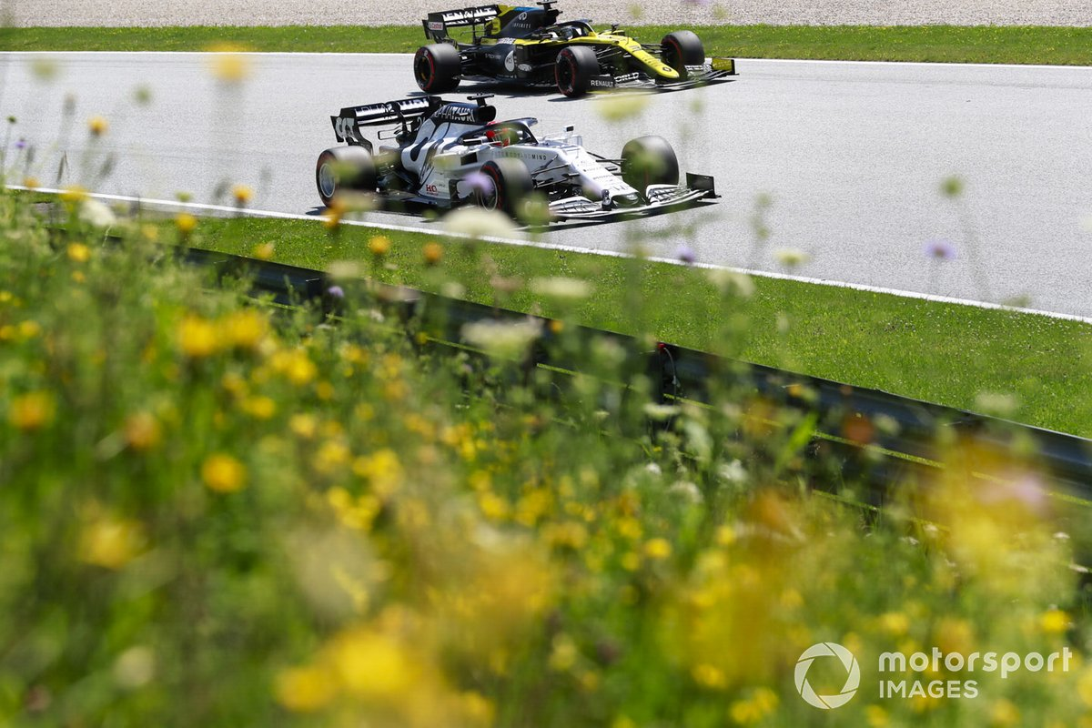 Даниил Квят, AlphaTauri AT01 и Даниэль Риккардо, Renault F1 Team R.S.20