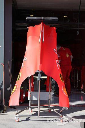 Dettaglio confano motore Ferrari SF1000