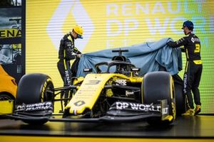 Esteban Ocon, Renault F1 and Daniel Ricciardo, Renault F1 Team reveal the livery of their Renault F1 Team R.S.20
