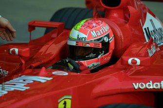 Michael Schumacher, Ferrari con casco de dos colores