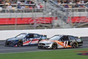 Corey LaJoie, Spire Motorsports, Chevrolet Camaro Diamond Creek Water, Cole Custer, Stewart-Haas Racing, Ford Mustang Feeding America/Wow Wow