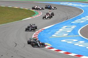 Sebastian Vettel, Aston Martin AMR21, Pierre Gasly, AlphaTauri AT02,Kimi Raikkonen, Alfa Romeo Racing C41 , y Mick Schumacher, Haas VF-21