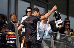 Toyoharu Tanabe, F1 Technical Director, Honda, on the podium