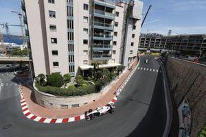 Sebastian Vettel, Aston Martin AMR21, Sergio Perez, Red Bull Racing RB16B