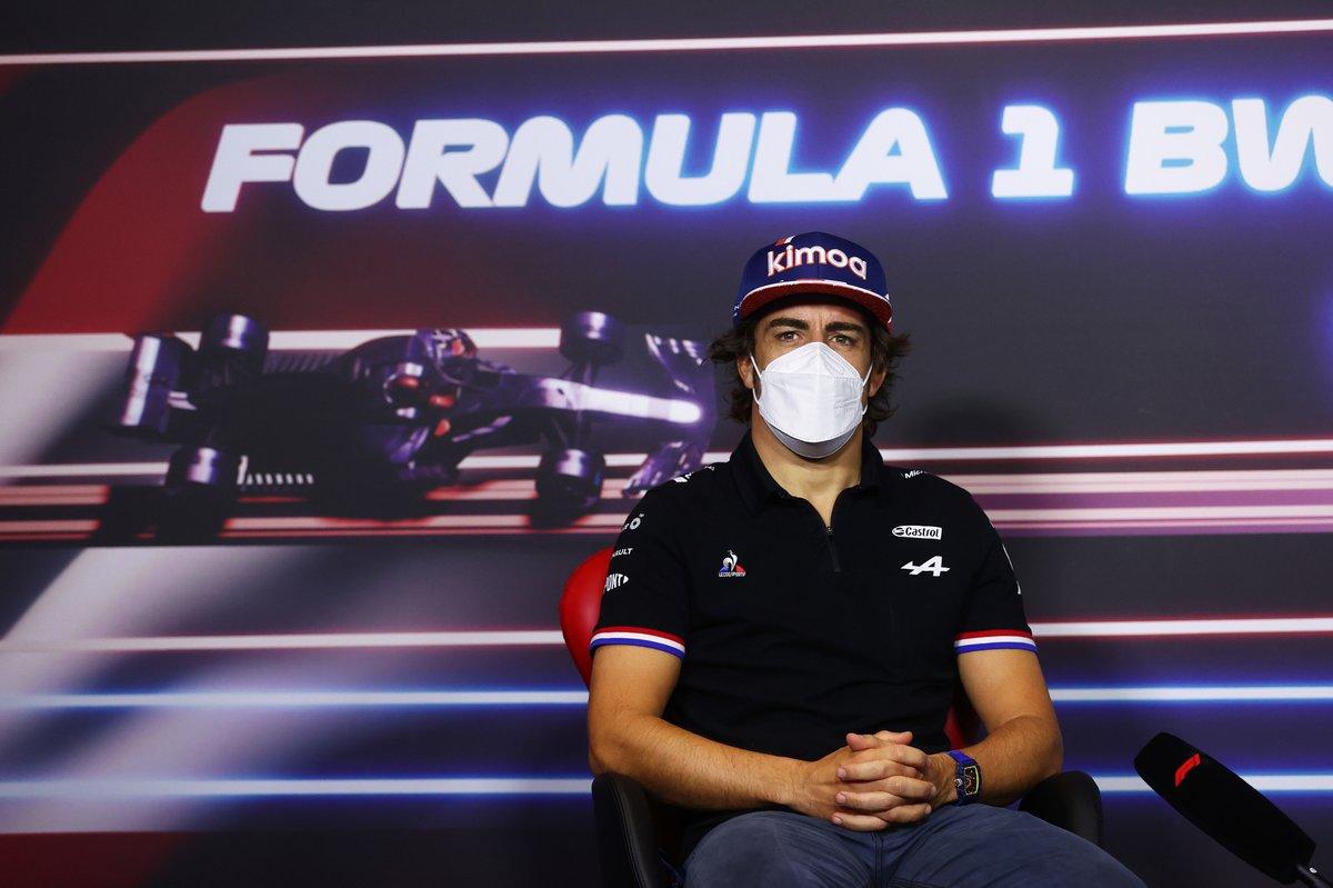 Fernando Alonso, Alpine F1 durante la conferencia de prensa