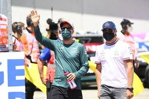 Sebastian Vettel, Aston Martin, en Valtteri Bottas, Mercedes