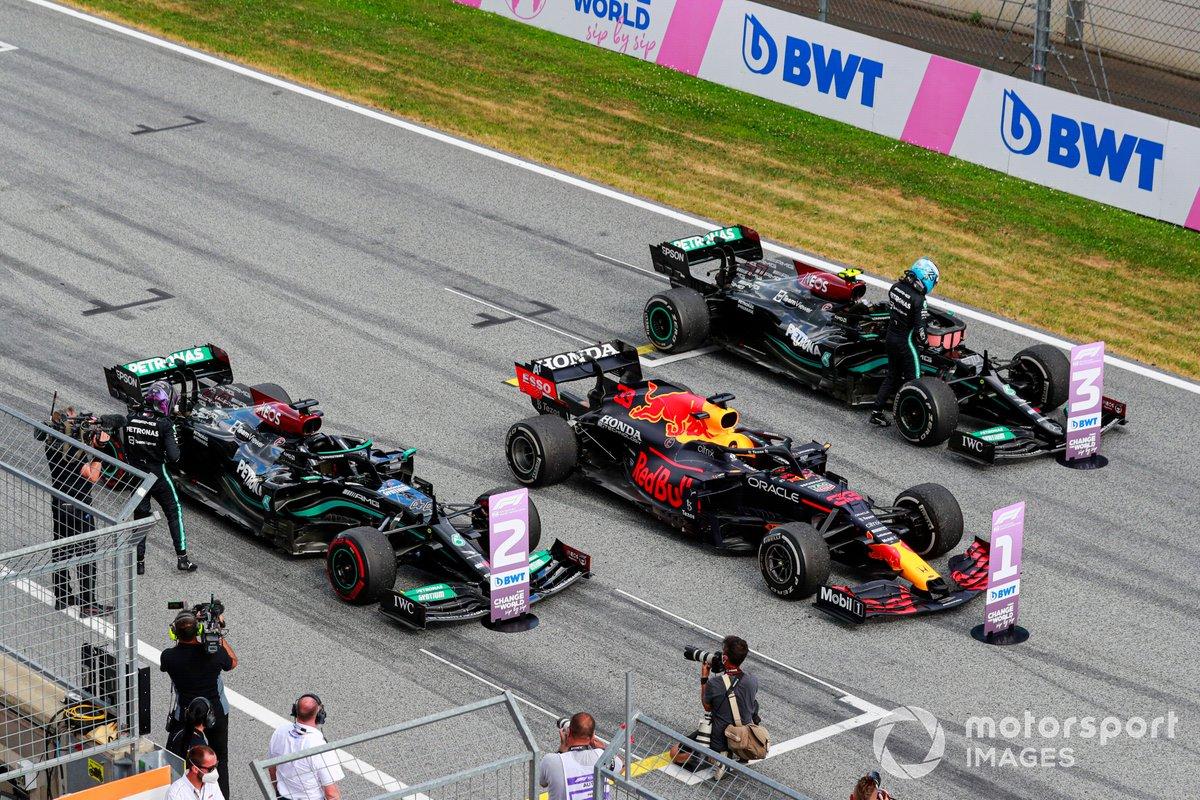 Tercer lugar Valtteri Bottas, Mercedes en Parc Ferme