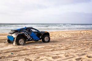 Odyssey 21 on the beach