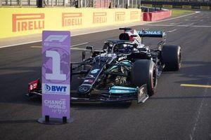 Pole man Lewis Hamilton, Mercedes W12