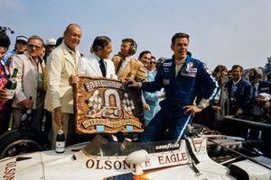 Ganador Unser, All American Racers-entered Eagle 74 Offenhauser