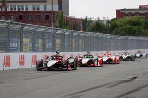 Sebastien Buemi, Nissan e.Dams, Nissan IMO2, Lucas Di Grassi, Audi Sport ABT Schaeffler, Audi e-tron FE07, Alex Lynn, Mahindra Racing, M7Electro