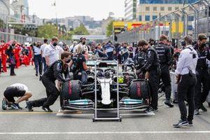 Lewis Hamilton, Mercedes W12, on the grid