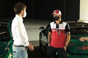 Marco Congiu, Responsabile dei video di Motorsport.com Italia e Kimi Raikkonen, Alfa Romeo