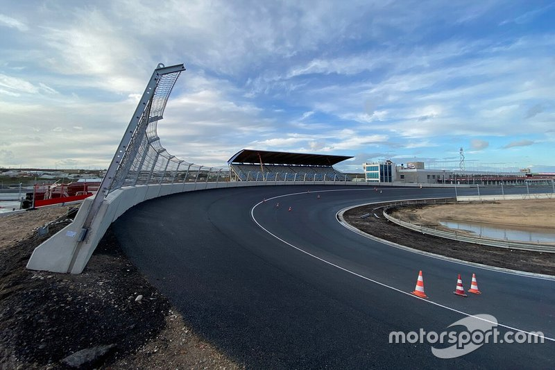 Completed Zandvoort banking