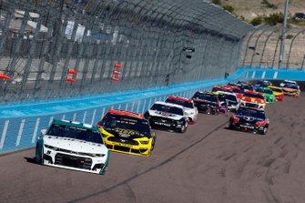 Chase Elliott, Hendrick Motorsports, Chevrolet Camaro Unifirst, Brad Keselowski, Team Penske, Ford Mustang Alliance Parts